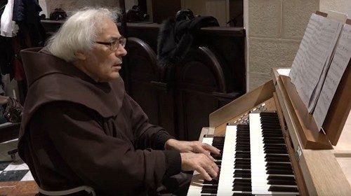 Padre Armando Pierucci