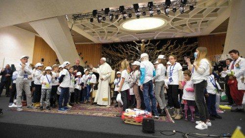 15 dicembre 2016: Papa Francesco incontra la comunità del Bambino Gesù