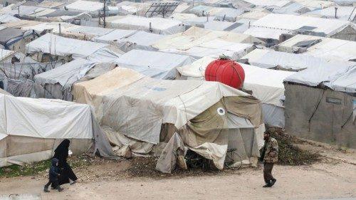 Un campo profughi nei pressi di Aleppo (Reuters)