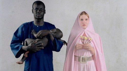 Vanessa Beecroft «Holy Family» (2006, fotografia collezione privata)